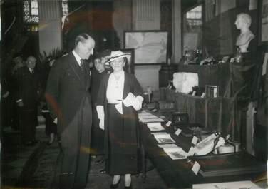 """PHOTO ORIGINALE / USA """"Siège du comité France Amérique, inauguration de l'exposition des souvenirs français offerts par Roosevelt, 1935"""""""