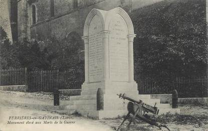 """CPA FRANCE 45 """"Ferrières en Gatinais, Monument aux morts""""."""