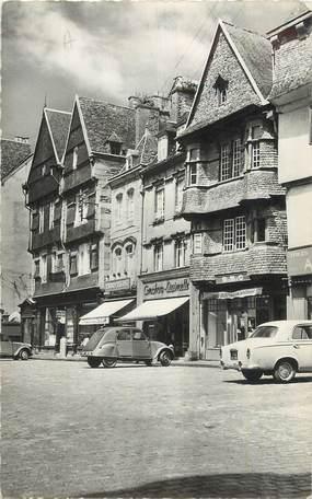 """CPSM FRANCE 22 """"Lannion, Place du centre""""."""