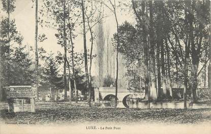 """CPA FRANCE 16 """"Luxé, Le petit pont""""."""