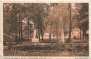 """34 Herault CPA FRANCE 34 """"Lunel, Le parc, statue Henri de Bornier""""."""