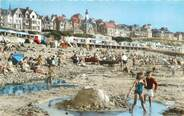 """80 Somme CPSM FRANCE 80 """"Ault Onival, La plage vers le phare""""."""