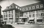 """80 Somme CPSM FRANCE 80 """"Abbeville, Hôtel de France""""."""