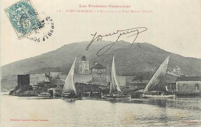 """CPA FRANCE 66 """"Port Vendres, L'Horloge et le fort Béarn""""."""