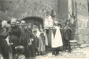 """66 PyrÉnÉe Orientale CPA FRANCE 66 """"Font Romeu, Le Salve Régina à la Vierge Noire devant la fontaine""""."""