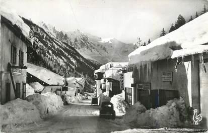 """CPSM FRANCE 74 """"Argentière, Vue générale et la chaine du Mont Blanc""""."""