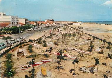 "CPSM FRANCE 66 ""St Cyprien Plage, Le golf miniature""."