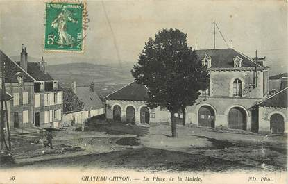 "CPA FRANCE 58 ""Chateau Chinon, La Place de la Mairie"""