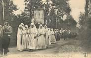 """29 Finistere CPA FRANCE 29 """"Plougastel Daoulas, La procession de jeunes filles portant la vierge"""". / FOLKLORE"""