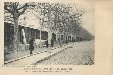 """CPA FRANCE 69 """"Lyon, Grande foire de Lyon, vue d'ensemble du quai de l'Est""""."""