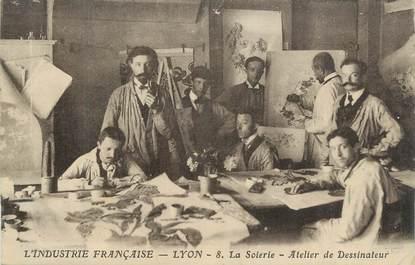 """CPA FRANCE 69 """"Lyon, La soierie, atelier de dessinateurs""""."""