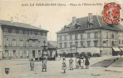 """CPA FRANCE 38 """"La Tour du Pin, Place de l'Hôtel de Ville""""."""