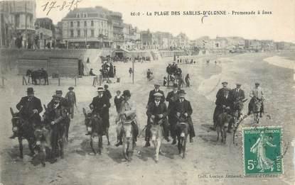 """CPA FRANCE 85 """" Les Sables d'Olonne, La plage, promenade des ânes"""". / ANE"""