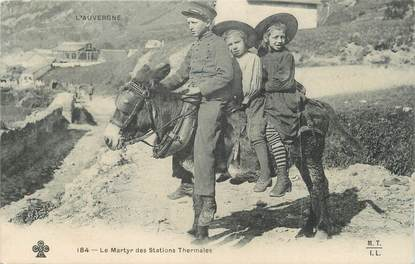 """CPA FRANCE 63 """" L'Auvergne, Le martyr des stations thermales"""". FOLKLORE"""