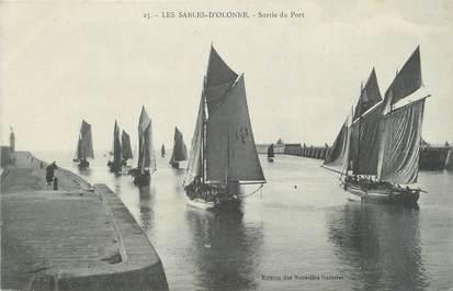 """CPA FRANCE 85 """" Les Sables d'Olonne, Sortie du port""""."""
