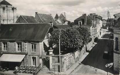 """CPSM FRANCE 86 """" La Roche Posay, Route de Vicq""""."""