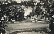 """86 Vienne CPSM FRANCE 86 """" La Roche Posay, Place de la République""""."""
