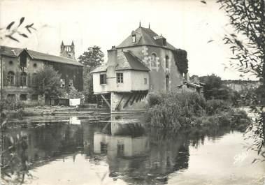 """CPSM FRANCE 86 """" Poitiers, Le moulin des 4 roues sur le Clain""""."""