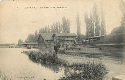 """CPA FRANCE 58 """"Nevers, Le Port de la Jonction"""""""