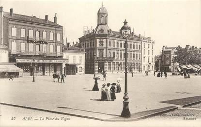 """CPA FRANCE 81 """"Albi, La place du Vigan'."""