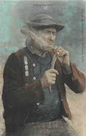 """CPA FRANCE 22 """" Types de Bretagne, Vieux fumeur"""". / FOLKLORE"""