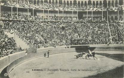 "CPA PORTUGAL ""Lisboa, course de taureau"""