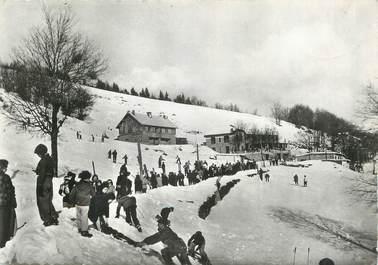 """CPSM FRANCE 30 """" L'Espérou, Skieurs sur la route de l'observatoire"""""""