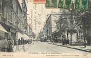 """84 Vaucluse CPA FRANCE 84 """"Avignon, Rue de la République""""."""