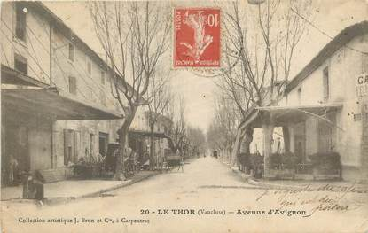 "CPA FRANCE 84 "" Le Thor, Avenue d'Avignon""."