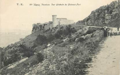 """CPA FRANCE 84 """"Viens, Vue générale du Château Fort""""."""