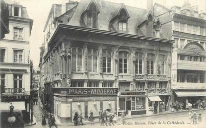 """CPA FRANCE 76 """" Rouen, Vieille maison place de la Cathédrale""""."""