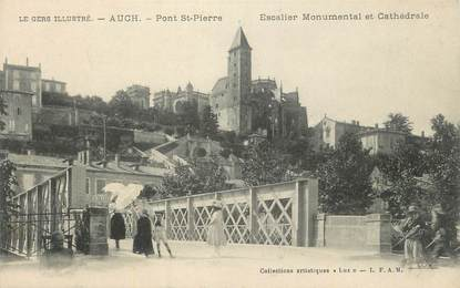 """CPA FRANCE 32 """" Auch, Pont St Pierre, Escalier monumental et cathédrale""""."""
