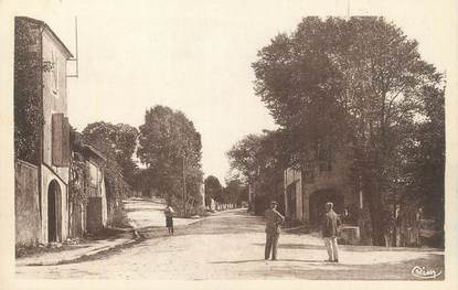 """CPA FRANCE 47 """"Castillonnès, Faubourg de l'Hirondelle""""."""
