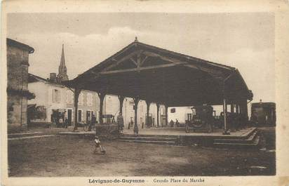 """CPA FRANCE 47 """" Lévignac de Guyenne, Grande place du marché""""."""