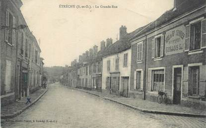 """CPA FRANCE 91 """"Etrechy, La grande rue""""."""