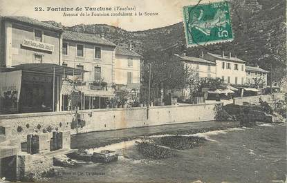"CPA FRANCE 84 ""Fontaine de Vaucluse, Avenue de la Fontaine conduisant à la source""."