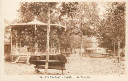 "CPA FRANCE 32 "" Vic Fezensac, Le kiosque""."