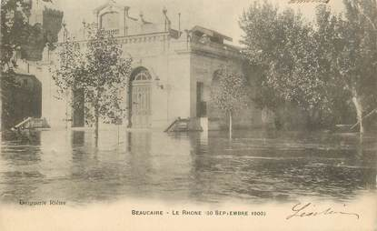 "CPA FRANCE 30 ""Beaucaire, le Rhone, inondation 1900"" / PENICHE / BATELLERIE"