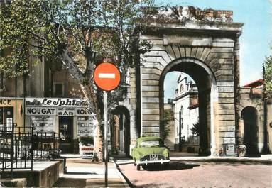 """CPSM FRANCE 26 """" Montélimar, Porte St Martin""""."""