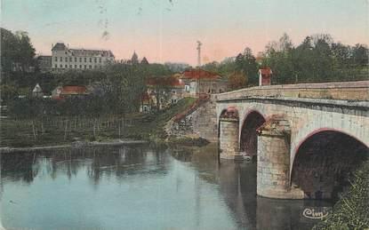 """CPA FRANCE 70 """"Montbozon, Le grand pont et le château""""."""