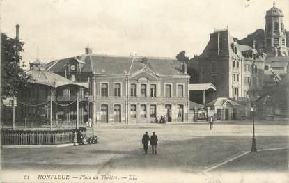 """CPA FRANCE 14 """" Honfleur, Place du théâtre""""."""
