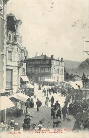 """CPA FRANCE 63 """" Thiers, La Sous Préfecture et la place de l'Hôtel de Ville""""."""