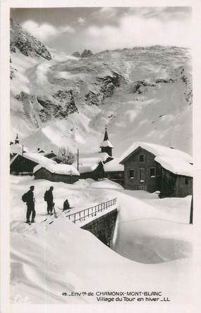 "CPSM FRANCE 74 "" Le Tour, Le village en hiver""."