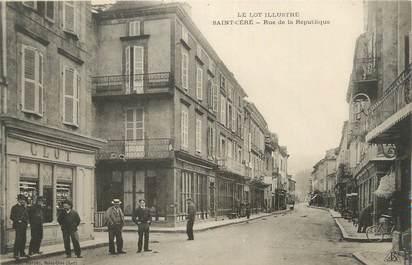 """CPA FRANCE 46 """" St Céré, Rue de la République""""."""