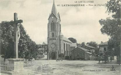 """CPA FRANCE 46 """"Latronquière, Place de l'église""""."""