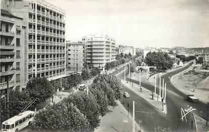 """CPSM FRANCE 83 """" Toulon, Avenue Maréchal Foch""""."""