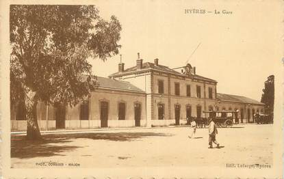 """CPA FRANCE 83 """" Hyères, La gare""""."""