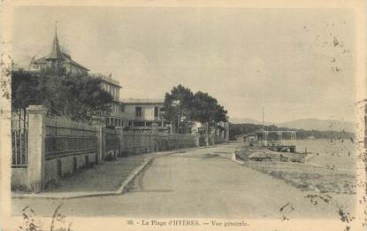 """CPA FRANCE 83 """" Hyères, La plage vue générale""""."""