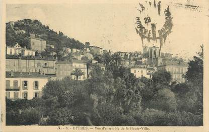 """CPA FRANCE 83 """" Hyères, Vue d'ensemble de la haute ville""""."""