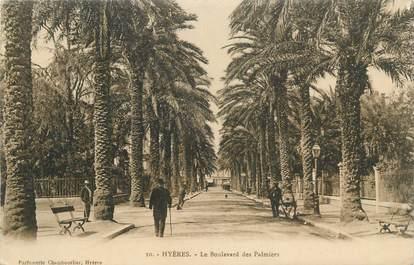 """CPA FRANCE 83 """" Hyères, Le boulevard des palmiers""""."""